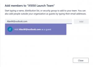 Screenshot Office 365 Teams: 'Hinzufügen von Person mit privater E-Mail Adresse als Gast'
